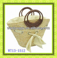 2013 new style elegant shiny cheap durable tote women wooden handle wheat straw bag