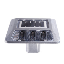 IP68 high quality and long working hours 3.2V / 400MAH lithium battery led solar cat eyes road stud