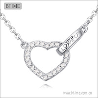 New design hot selling heart shaped with love pendant necklace