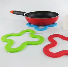 2016 Kitchen Silicone Hot Pad/Trivet Coaster