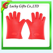 China New Kitchen Baking Heat Protection Red Oven Silicone BBQ Gloves