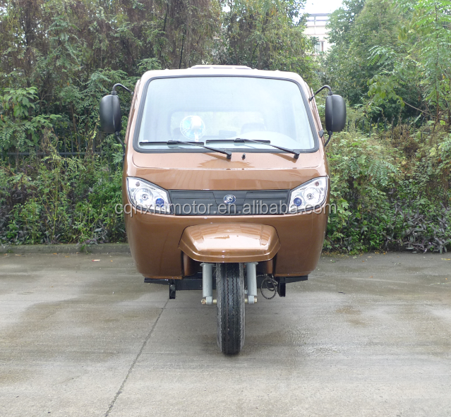 hot sale 3 wheeler tuk tuk for cargo delivery with closed cabin