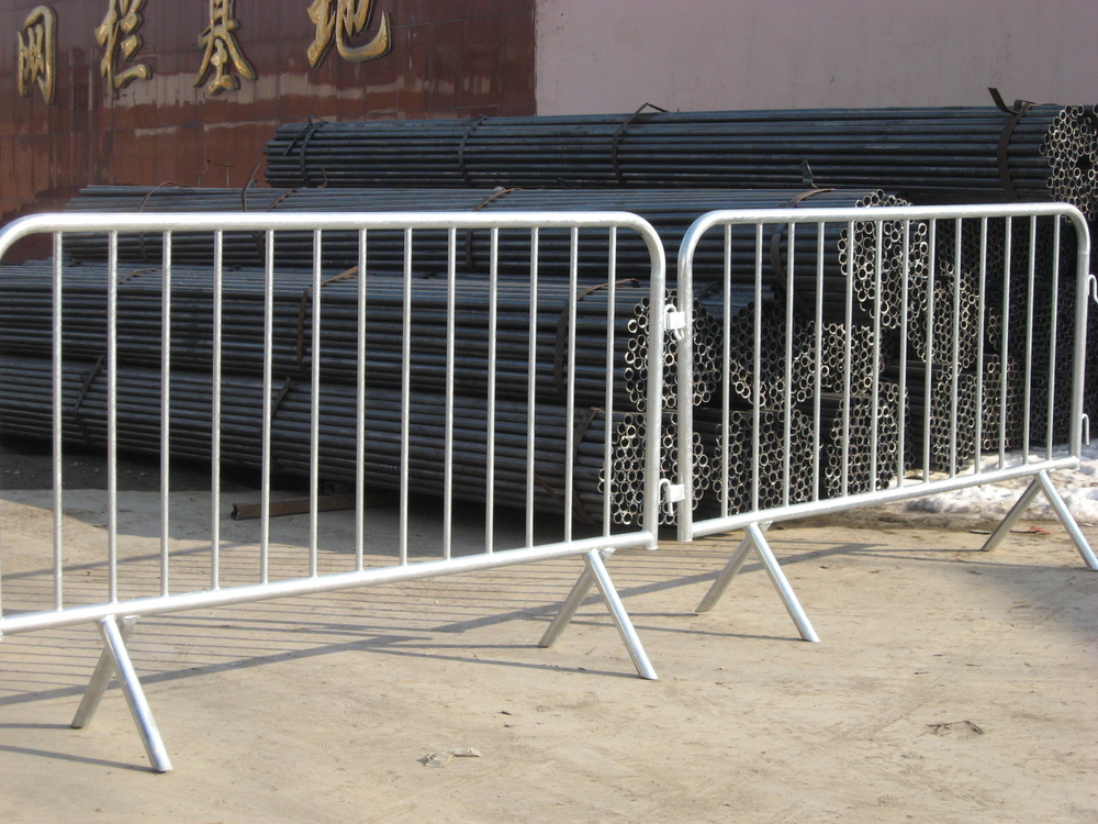 hot dipped galvanized after welding temporary fence welded pipe crowd control barrier queue control fence panel