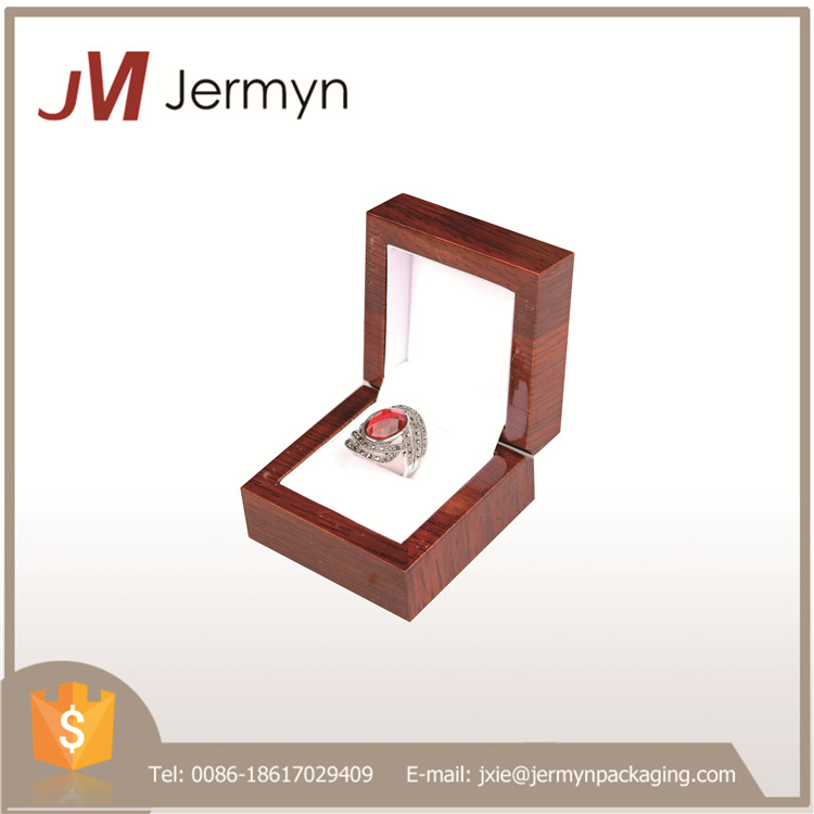 First class quality custom high gloss lacquer finish wooden ring box