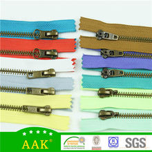 Wholesale prices one way close end small metal zippers
