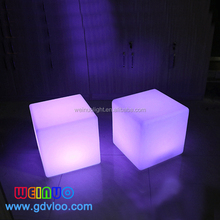 outdoor waterproof illuminated led cube light with solar power charge