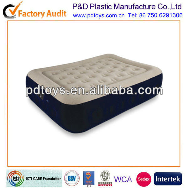 Inflatable air bed with build-in pump