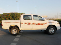 HILUX DOUBLE CABIN 4X4 - 2.5L MT BASIC