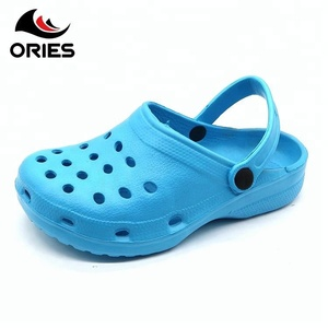 Hot Selling Fashionable Good Quality Clogs For Men