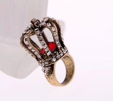 Wholesale Occiden Royal Crown Designs Burnished Gold Zinc Alloy Rings