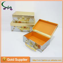Wholesale popular cardboard packaging paper rectangle suitcase gift box sets with metal handle