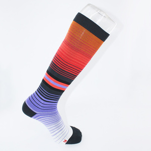 Custom logo Private label running graduated compression socks