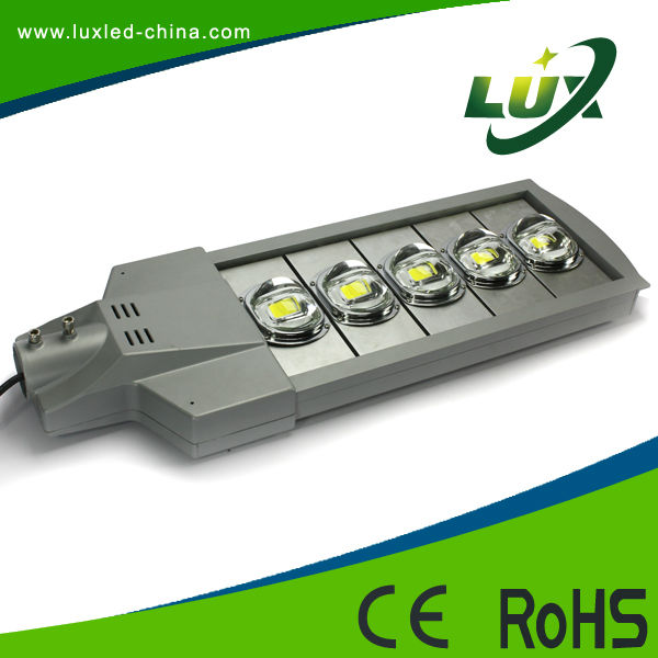 cree led street light price list 80W-240W High power sale led solar street light with Long Lifespan