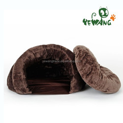 The soft plush fabric eco friendly outdoor cat bed of cat furniture