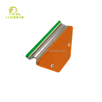 Single side Reflective delineator for guardrail reflector
