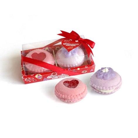 Macaros Bath Fizzer and bath bomb gift set