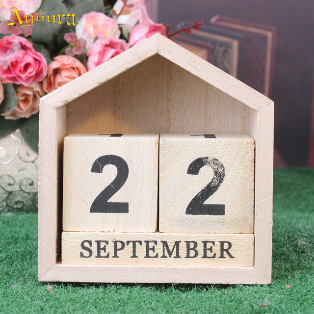 High quality custom wood calendar in stock