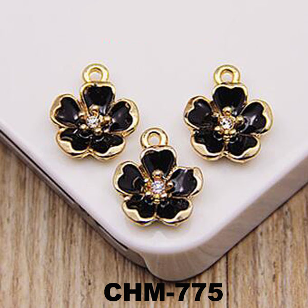 Newest Lovely Metal Flower Necklace Feet Pendant Fashion Jewelry Lucky Charms