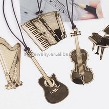 Business gifts six Korean metal hang rope creative bookmarks custom wholesale music instrument