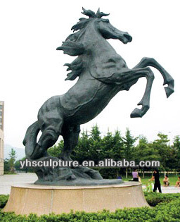 large bronze horse sculpture