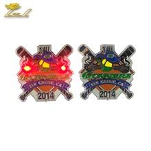 Custom Led Flash Light Trading pin Badges for Clothes