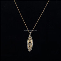 leaf shape pendant necklace