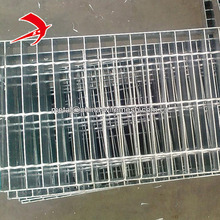 Factory cheap price top quality 30x3 grated stairs 1000x6000 mm galvanized bar type steel grating