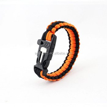 Survival paracord bracelet with magnesium fire starter