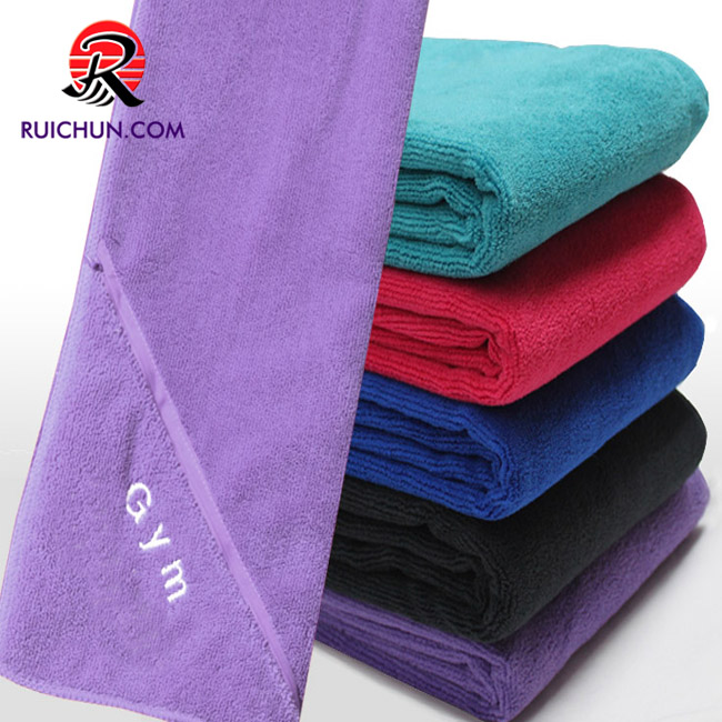 Logo custom wholesale super cheap gym towel with zipper pocket