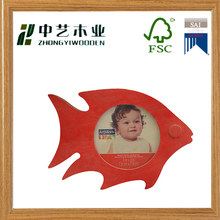 Eco-friendly painted red fish shaped wooden photos frame wooden baby pictures frame