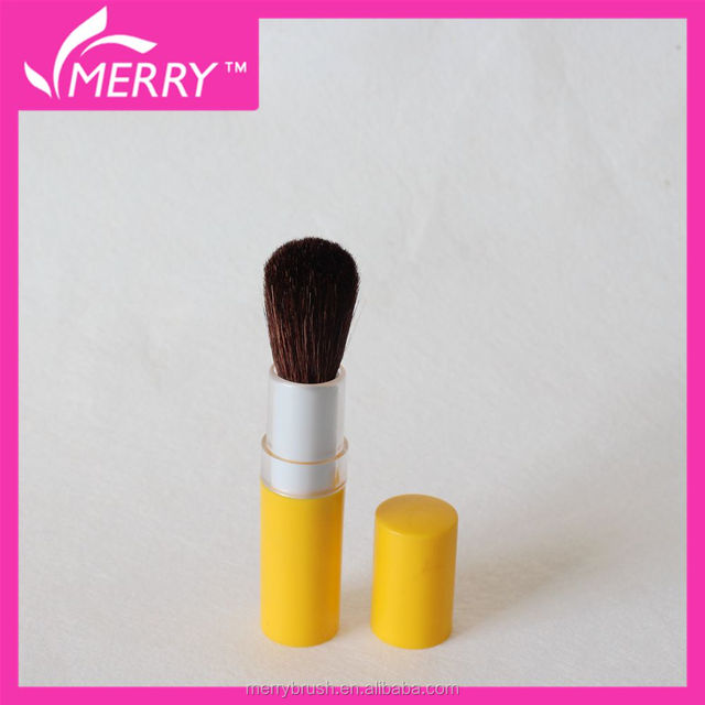 Retractable make up brush cheek brush