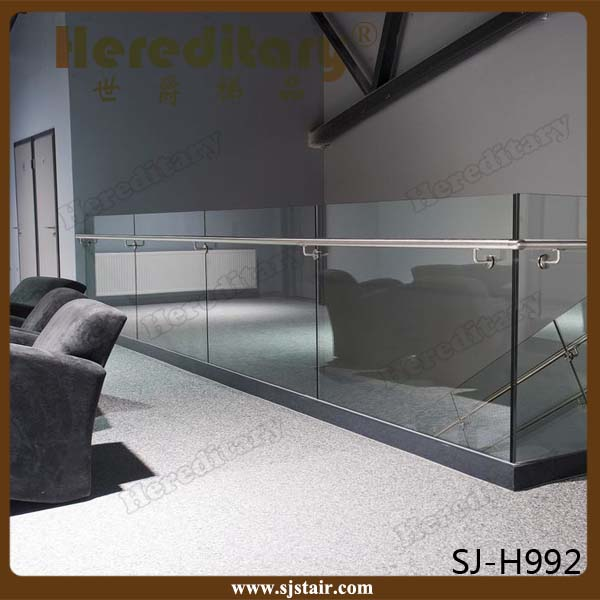 Aluminum U base channel/u shoe glass balustrade/frameles glass railing system