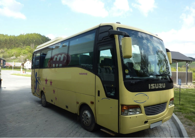 ISUZU BUS Left Hand Drive