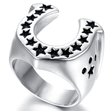 Fashion stainless steel justified horseshoe ring with little star engraved
