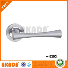 New magnetic shower door handle