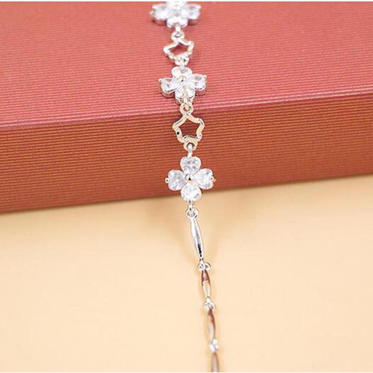 Fashionable White Gold Plated Four Petals Flower Style Silver Chain Bracelet Bangle For Girls