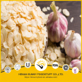 Dehydrated garlic flakes of high quality