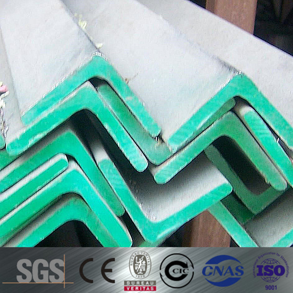 Hot rolled JIS G3101 SS400 slotted angle iron