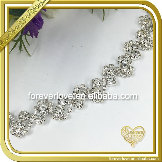 Modern Sweet Design Rhinestone Flowers Chain FC-646