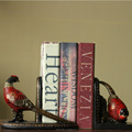 Wholesale animal shaped book stand retro carved bird bookend