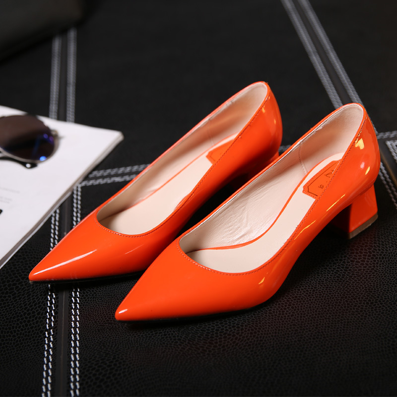 Guangzhou Factory Wholesale Fashion Lady Casual Thick <strong>Heels</strong> Comfortable Orange Low <strong>Heels</strong> Pumps Shoes