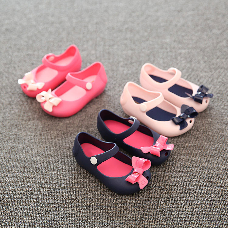 Wholesale Girls casual jelly shoes <strong>sandals</strong> hollow out shoes kids with bow