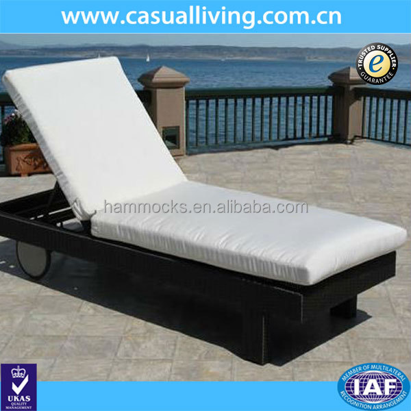 Outdoor Rattan Wicker Patio Chaise Lounge with Replacement Cushion Pad