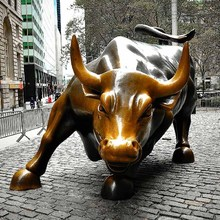 Hot selling metal famous animal statue large wall street bronze bull for outdoor decoration