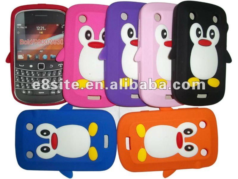Penguin Silicon Phone Cover Case For BlackBerry Bold 9900/9930