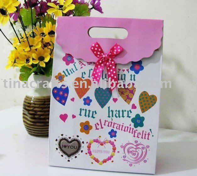 Heart printed gift bag
