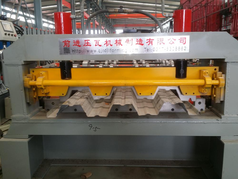 Low price metal steel decking roof plate sheet tiles roll forming making machine