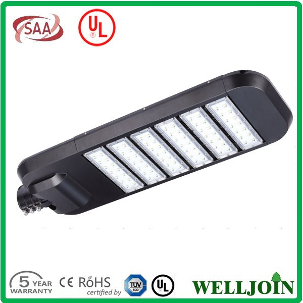 Hot Sale High Lumen UL LED Street Light 240w With IP67 IK08 Waterproof For LED Parking Lot Light Using