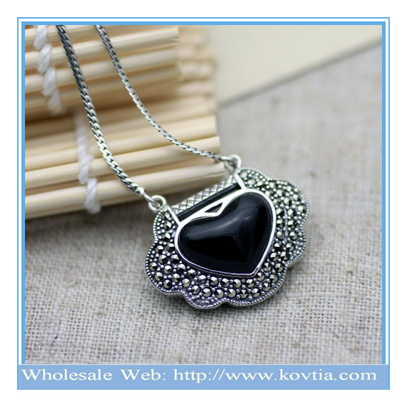 Hot sale newest 925 silver heart lock shape pendant neckalce with jet crystal