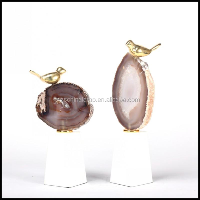 New Innovative Metal Craft With Red Color Agate Slice For Interior Decor Home And Antique Hotel Furniture